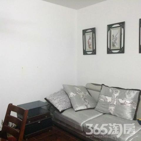 三山里小区2室1厅1卫65平方产权房精装