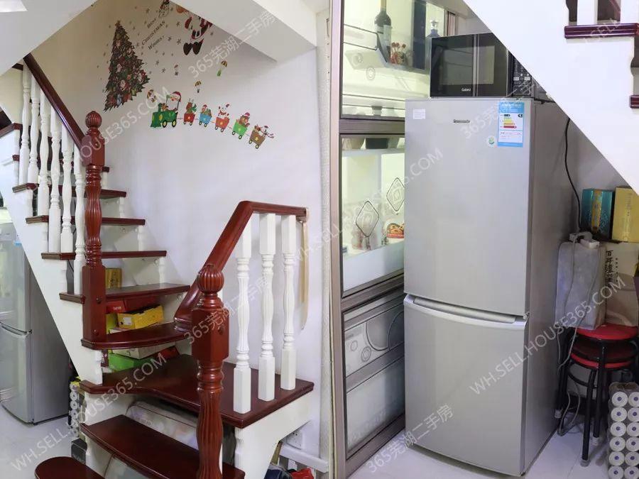 我的房子 复式设计,环保精装修,周边配套完善,离学校近.