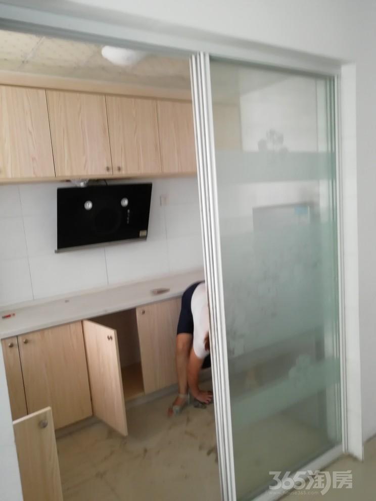 万达中央华城3室2厅2卫130.00�O整租精装