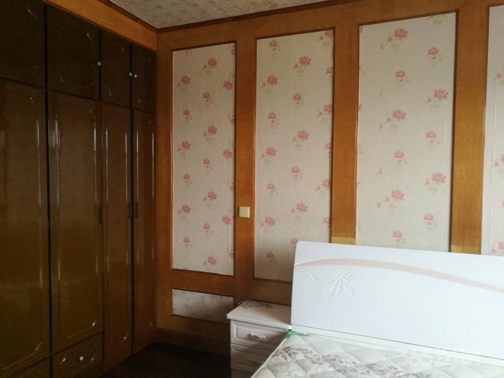 招商新村3室2厅2卫122平米2000年产权房中装