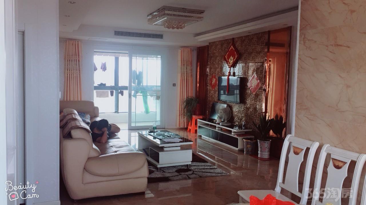 东都天润3室2厅2卫137平米2013年产权房精装