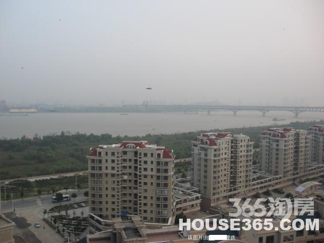 明发滨江二期18楼全明无敌江景95平简装俯视整个长江大桥