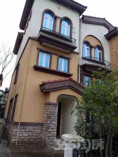 碧桂园欧洲城4室2厅3卫172平米毛坯产权房2010年建