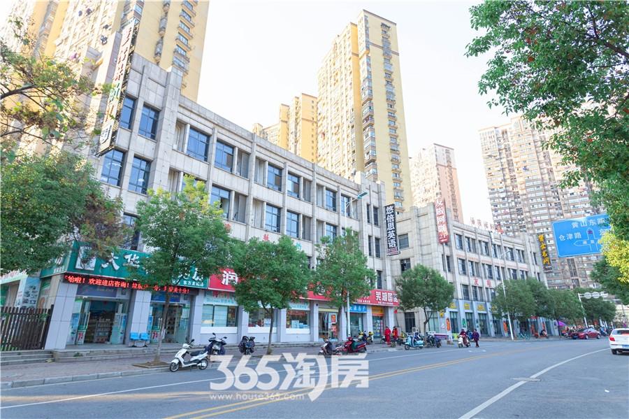 东方龙城龙街实景图(2019.12摄)