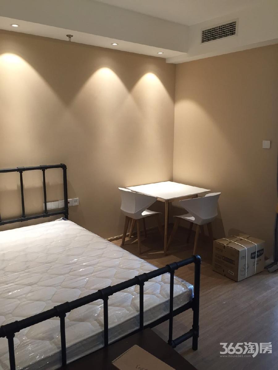 证大大拇指广场1室1厅1卫37平方产权房豪华装