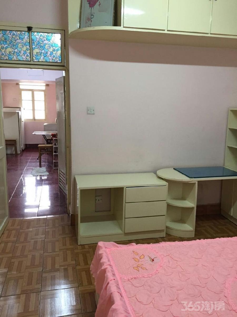 通榆新村2室1厅1卫59平米1996年产权房中装