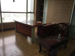 新世界中心 珠江路地铁口 户型方正 精装纯写 电梯口 看房随时