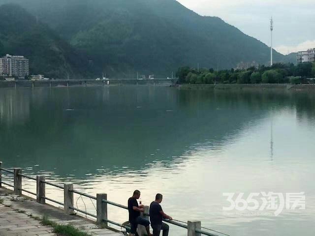 杭州桐庐一线江景房不限购可落户养老福地依山傍水