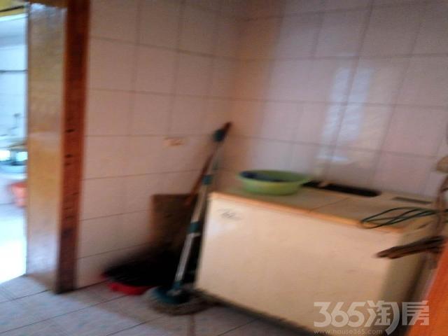 商贸城3室1厅1卫93�O2010年产权房简装
