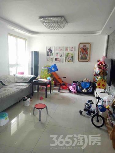 尚品馨苑3室2厅2卫119平米精装产权房2012年建