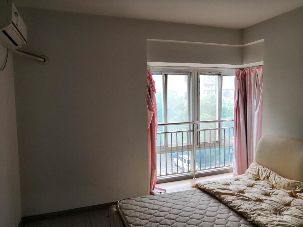 奇瑞BOBO城3楼2室2厅1卫85平米整租精装