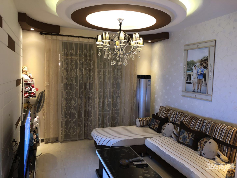 龙湖春天2室2厅1卫80.12平方产权房豪华装
