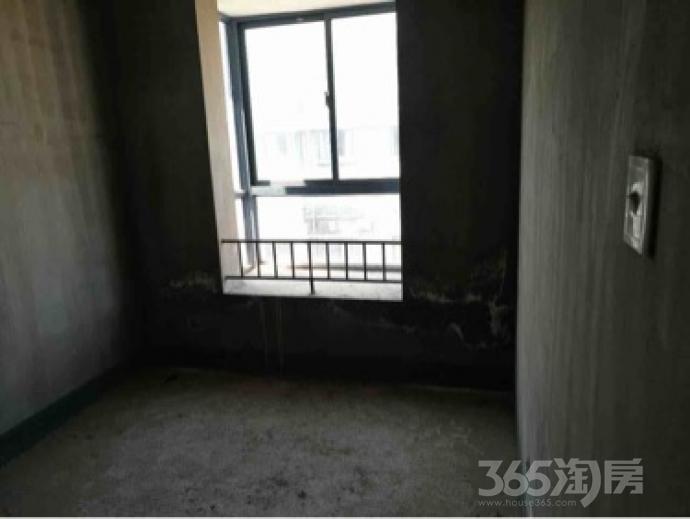 5室2厅2卫158平米毛坯产权房2006年建
