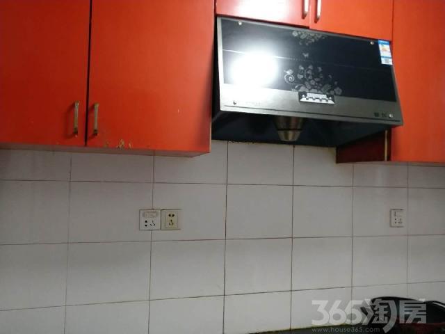 西苑小区2室1厅1卫70�O满五年产权房精装