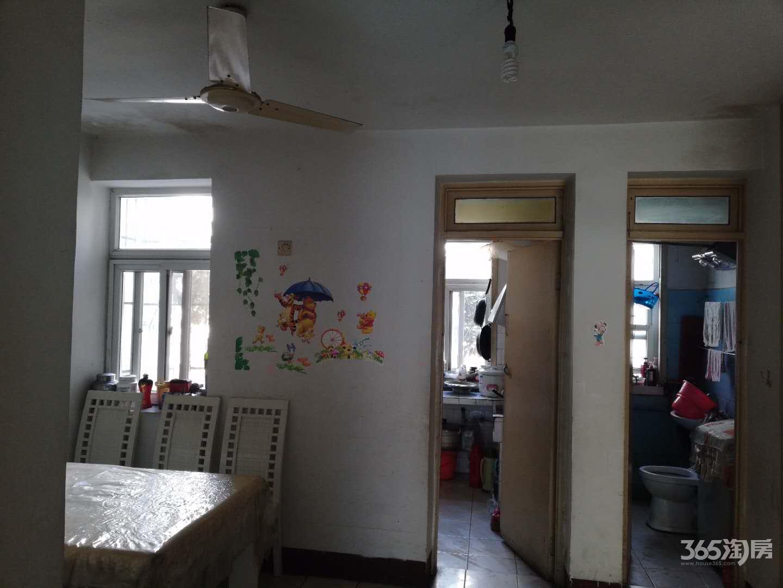 张公山江北小区2室1厅1卫60.66平方产权房简装