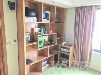 京东紫晶6室1厅1卫180平米豪华装产权房2016年建