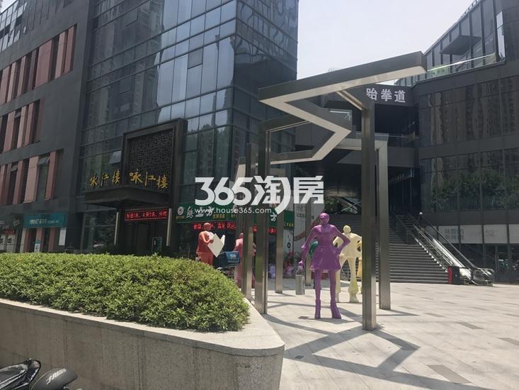 世茂外滩新城周边商业实景图(8.21)