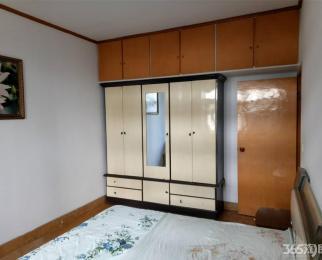 师大路西1楼90平米中装(院子30平米)2室2厅1600/月