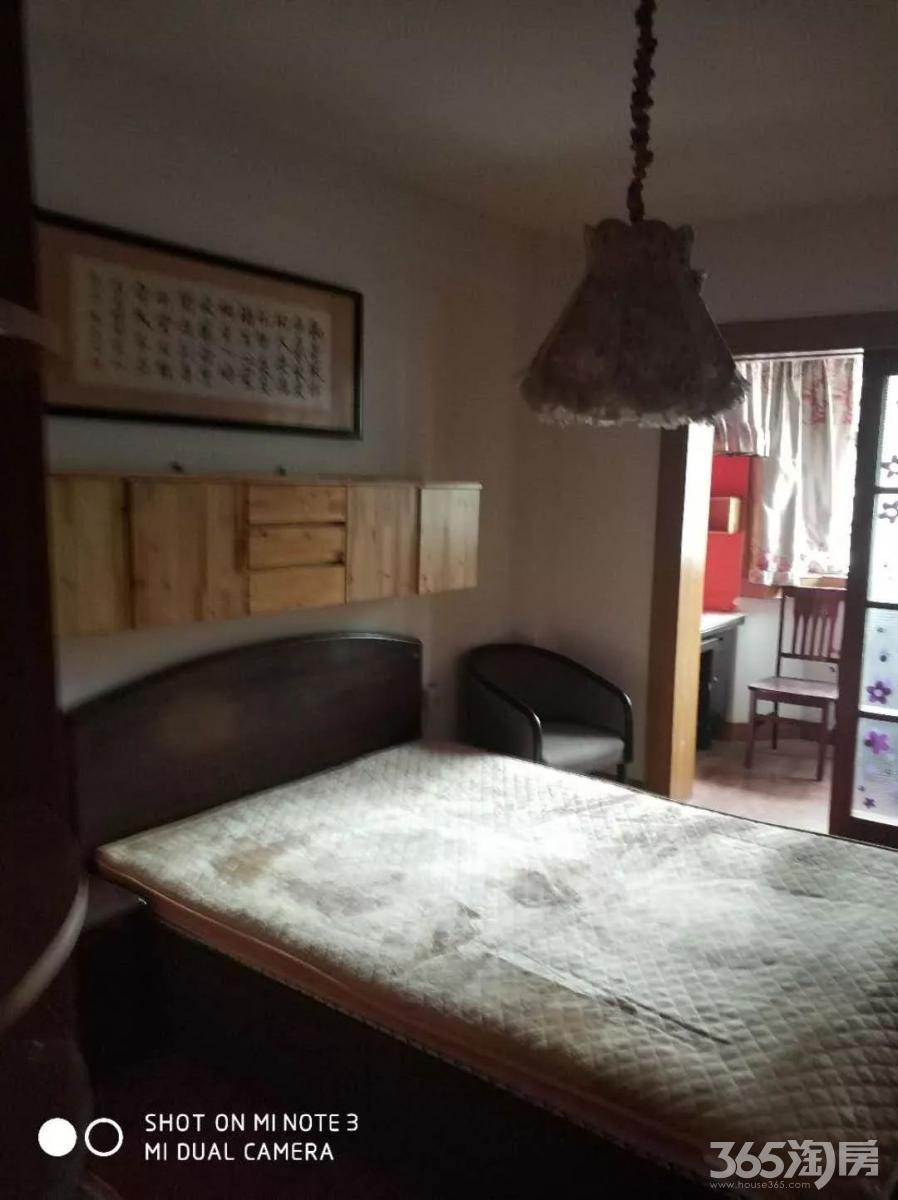 急租医学院附近余庆苑小区1间1厅精装拎包入住