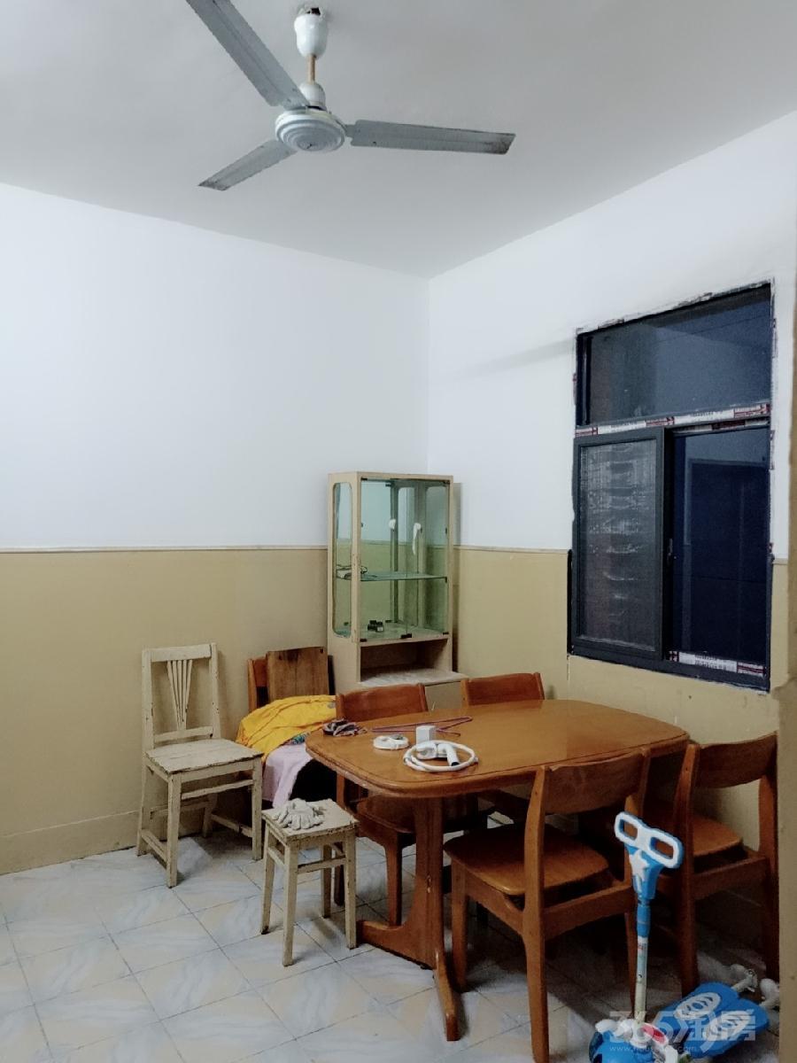 江南新村2室1厅1卫60平米整租简装