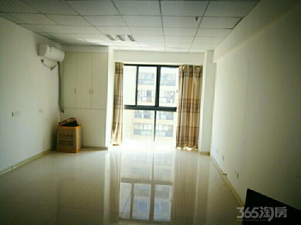 中央城财富街1室1厅1卫48平米整租精装