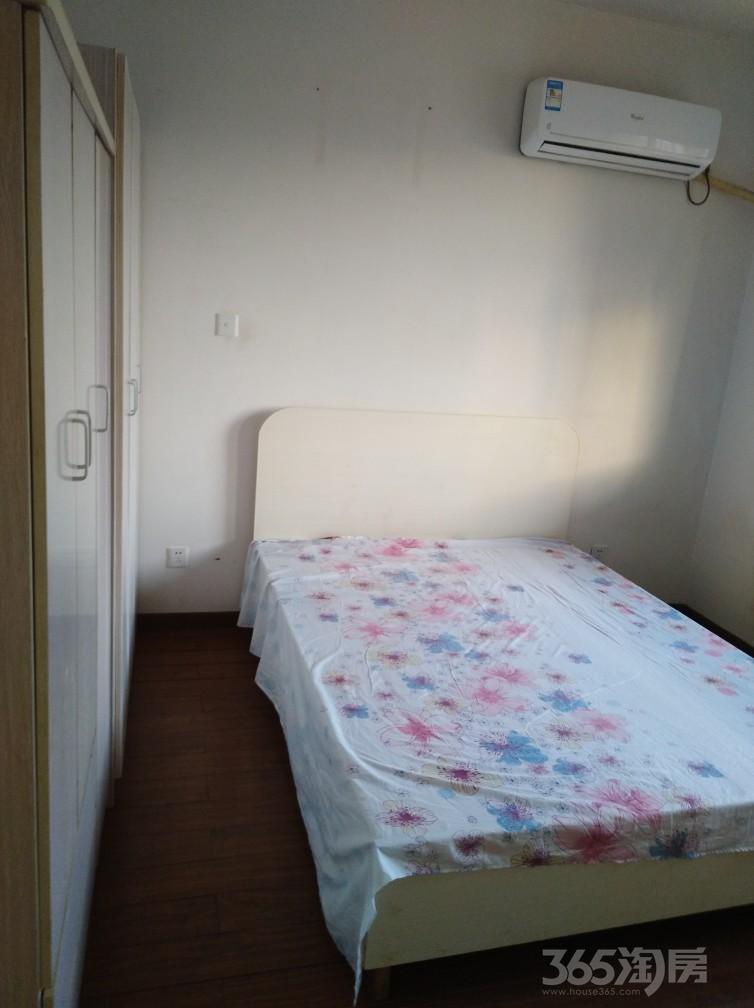 新景花园3室2厅2卫130平米整租中装