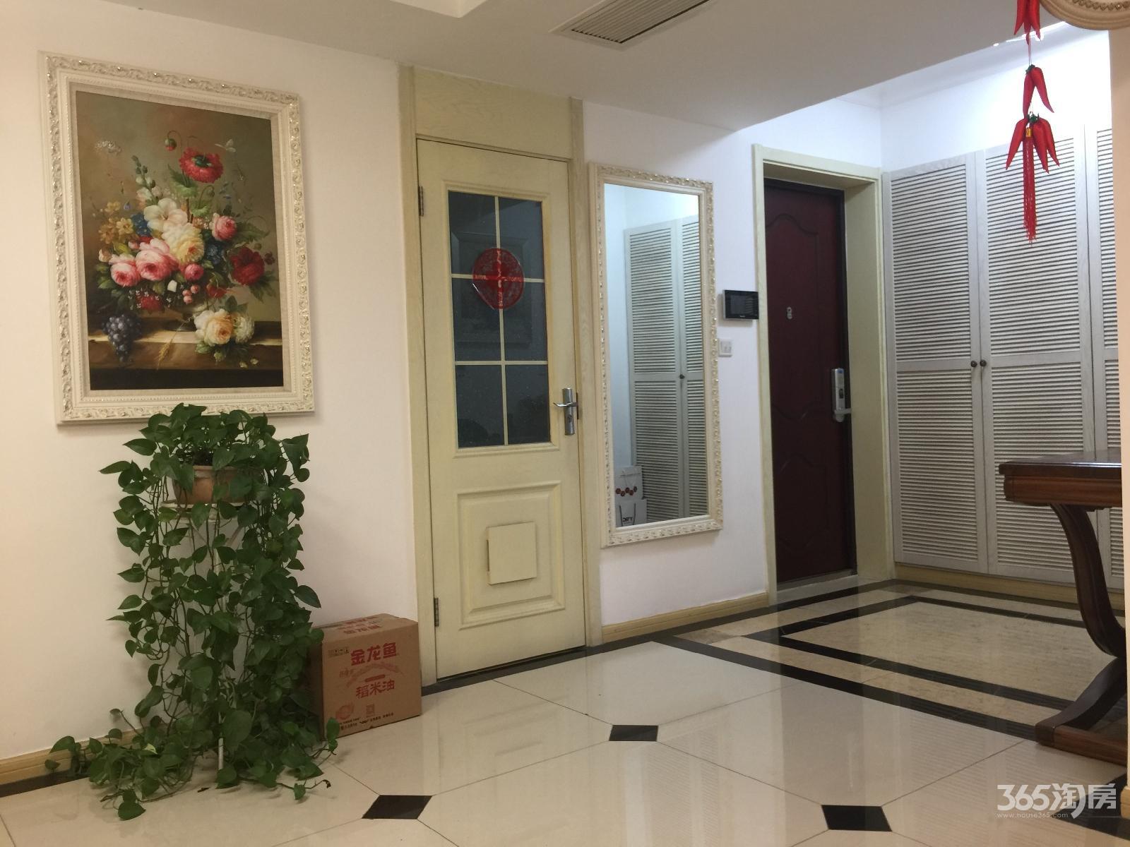 爱涛怡珍公馆4室2厅3卫212平方产权房精装