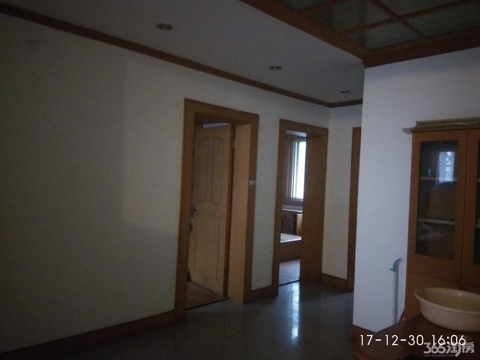 园丁二区3室2厅1卫92㎡整租中装