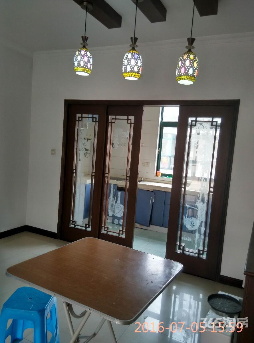 汇景新苑3室2厅1卫97平方产权房精装