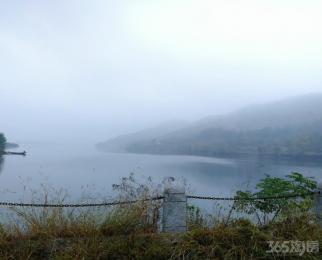 香泉湖临湖独幢精装别墅 养生家园 泛舟湖上