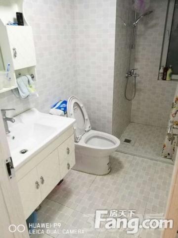 柏丽湾精装2房2厅2100