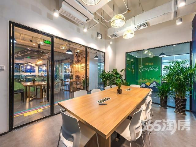 宏府大厦四楼倍格生态钟楼店12000豪华装物业直租