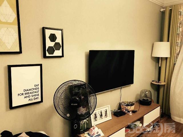 绿溪玫瑰园3室2厅1卫96㎡2012年产权房精装