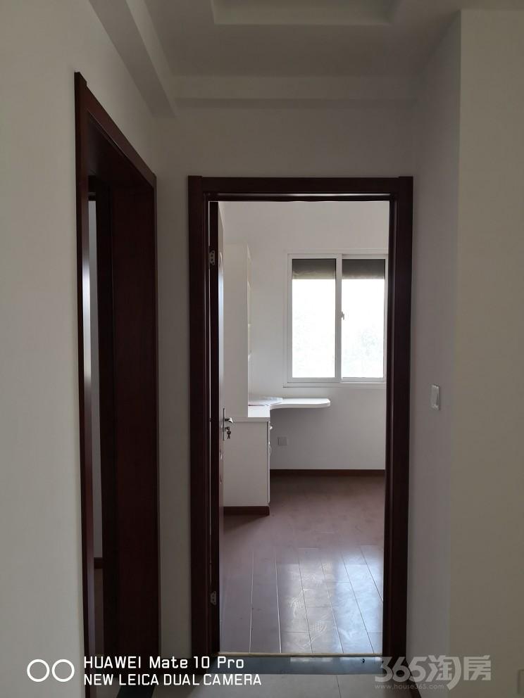 翠屏城3室2厅2卫101平方米178万元