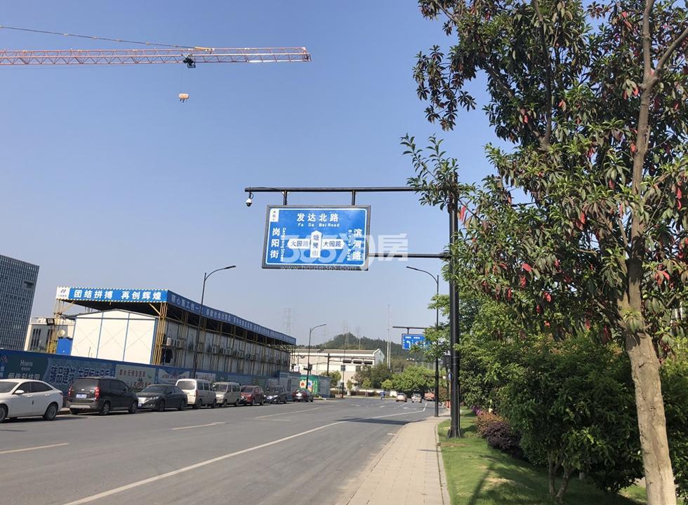 越秀星汇城周边道路交通(2018.4.18摄)