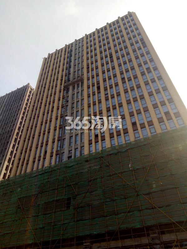 金龙湖广场公寓实景图2(12.1)