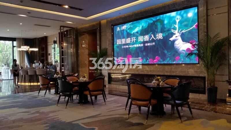 信达公园里售楼部一角实景图(2017.11.29)