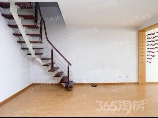 公园100小区5室2厅2卫138平米2000年产权房简装