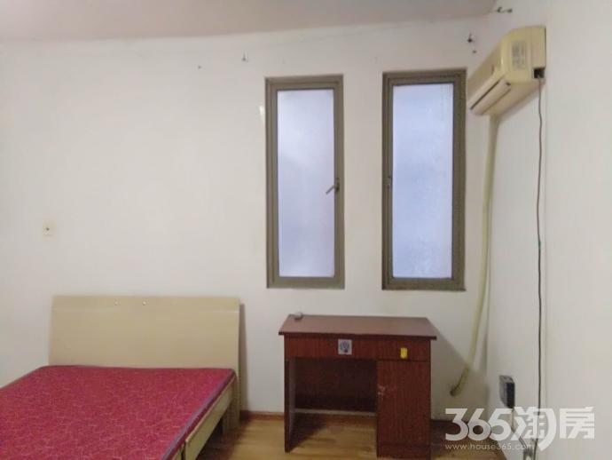 迈皋桥地铁口中电颐和家园4室1厅1卫15㎡合租不限男女精装