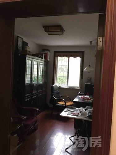 鸿福三村4室2厅1卫124平米精装产权房2009年建满五年