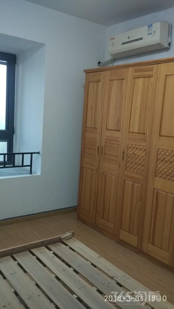 正荣润江城3室1厅1卫15平米合租精装