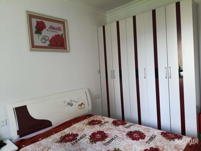 文津花园3室2厅2卫122平米2012年产权房精装