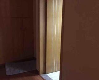 德盈国际广场2室2厅2卫50平米豪华装产权房2012年建