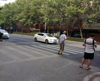 秦淮大行宫杨公井独立庭院商铺可停七辆车靠近八一医院经