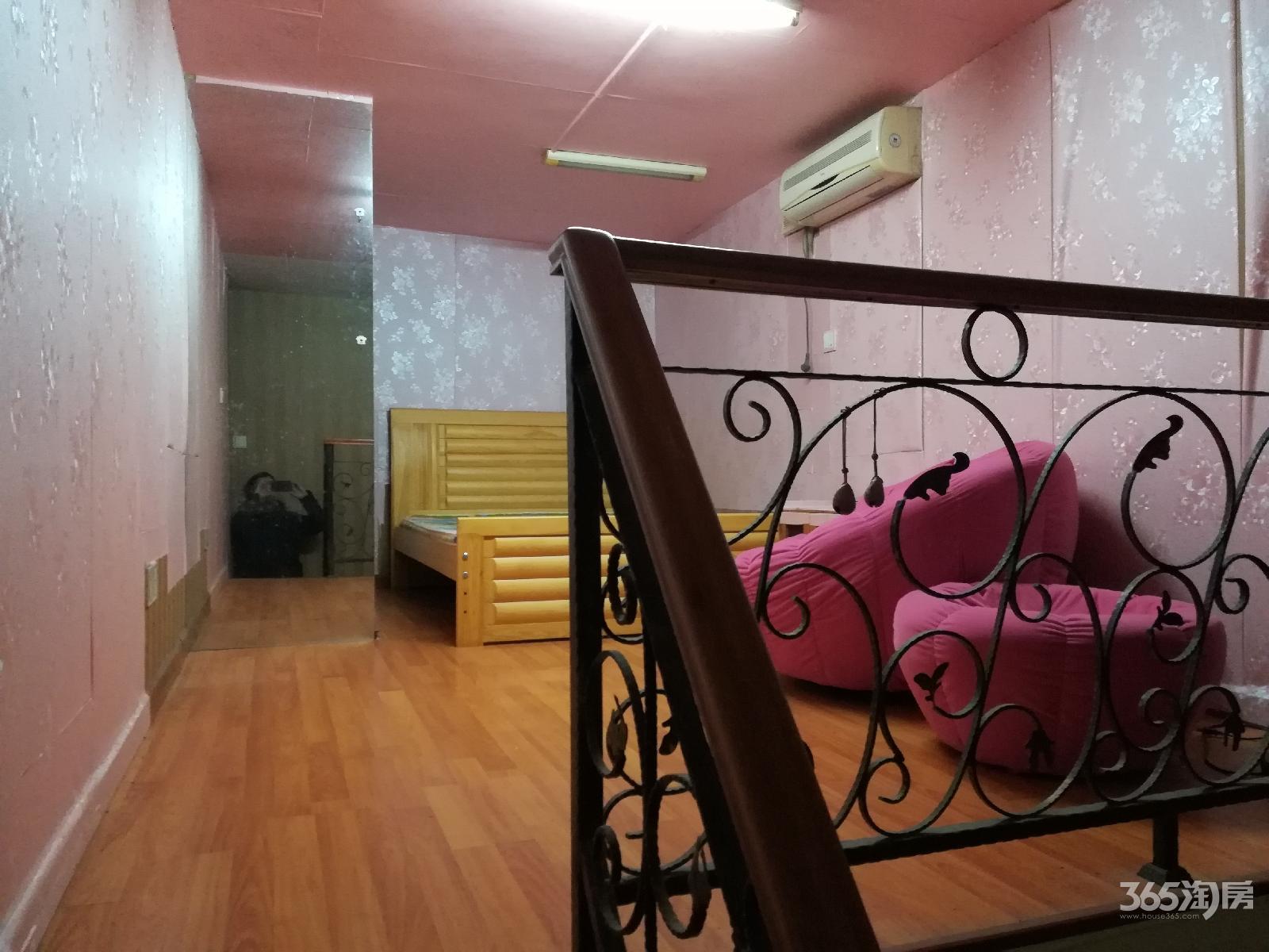 锦江丽舍1室1厅1卫23平方产权房简装