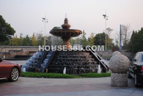 蠡湖一号售楼处前水景(2012.11.13)
