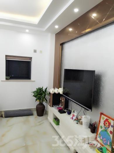 常熟东南悦城2室1厅2卫74.18�O