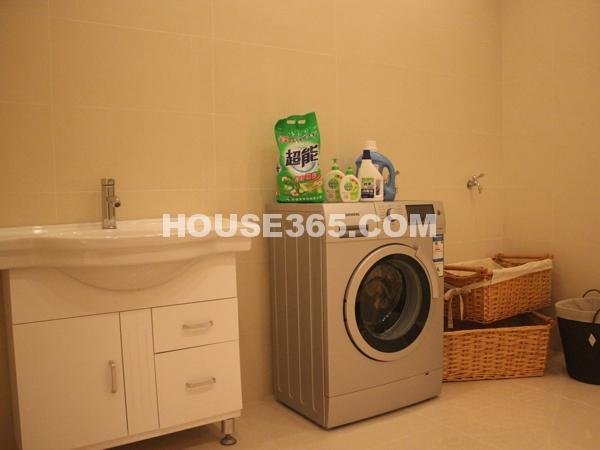 藏悦 底层洗衣房