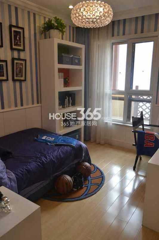 华远海蓝城样板间卧室