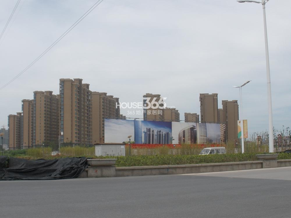 东方万汇城临近中国铁建江佑铂庭(7.12)